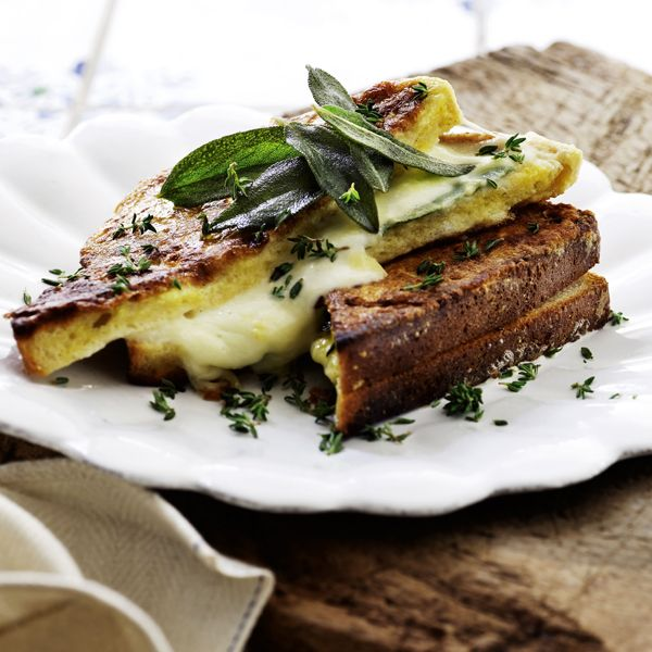 Italiensk toast med frisk mozzarella