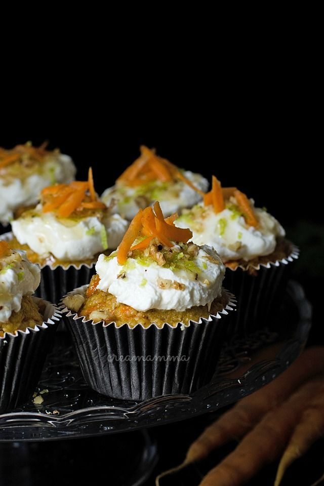 Diario di una Creamamma: Cupcakes speziati alle carote con crusca di avena e frosting sano