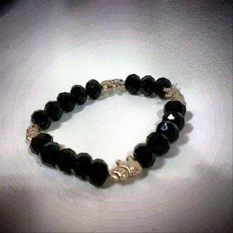 Hermosa pulsera confeccionada con cristales checos y cuentas en nikel. #EnPuntocr #pulsera
