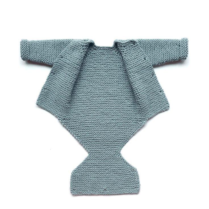Aprende a tejer un sencillo y adorable pelele de punto de bebé con este tutorial paso a paso repleto de fotografías y tips. ¡Hazlo tu misma!