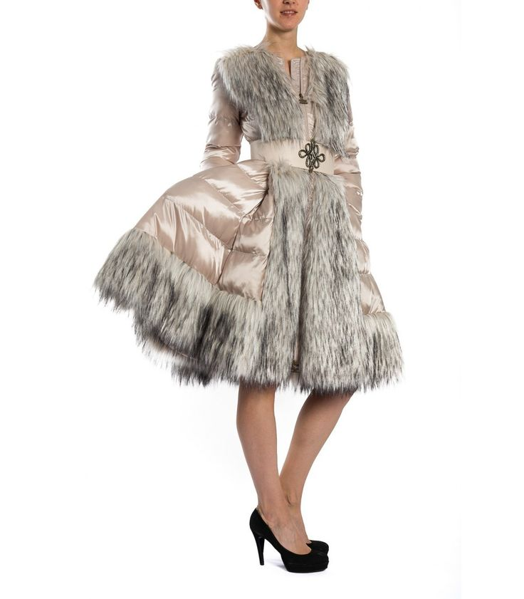 Vanilla cirle quilted coat with detail on belt,faux fur inserts,zip closure