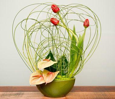 composition florale | Pour la dernière composition, on peut utiliser un vase en forme de ...