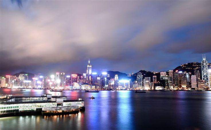 Hongkong Sensasi Kemeriahan Bulan Madu