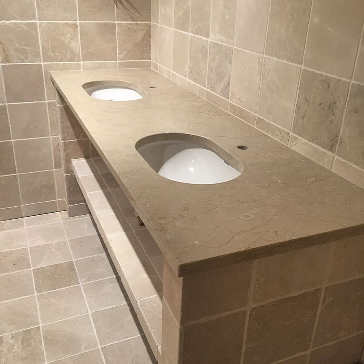 Levert av Lenngren Naturstein - Baderom inspirasjon med bruk av naturstein og fliser - Bathroom inspiration design