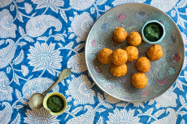 Spiced potato dumplings with green chutney (buff vada)
