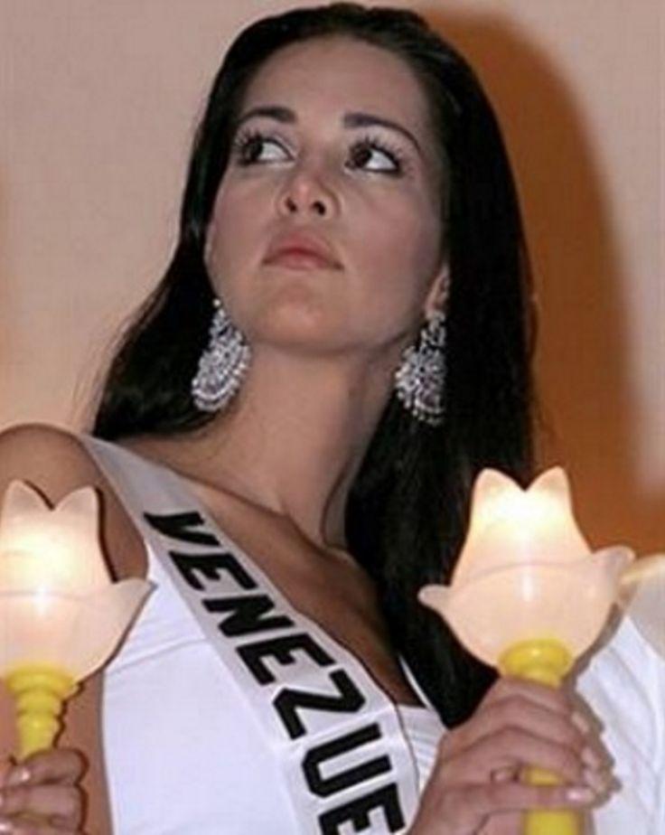 Monica Spear Miss Venezuela durante las actididades del Miss Universe 2005.. by Antoni Azocar..
