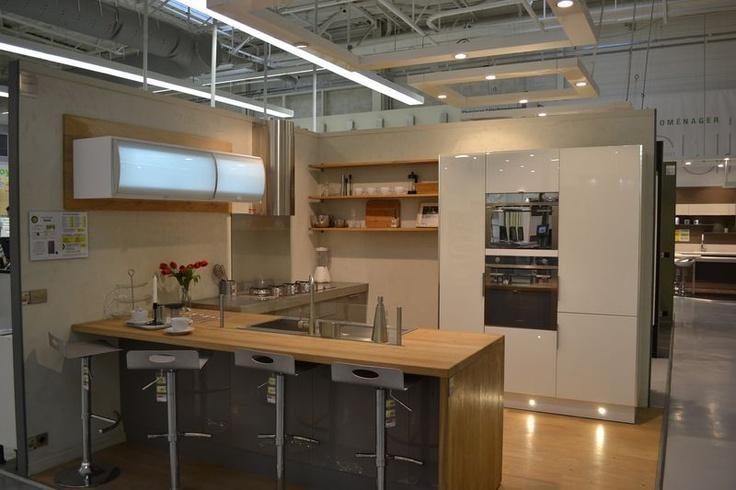cuisine frozen cliquez sur la photo pour acc der au logiciel de conception cuisine en 3d. Black Bedroom Furniture Sets. Home Design Ideas