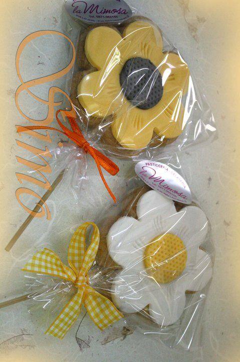 #fiore. Sweet gift & cookies Idee regalo per i vostri amici, bomboniere o segnaposto.... http://www.simocakedesigner.it