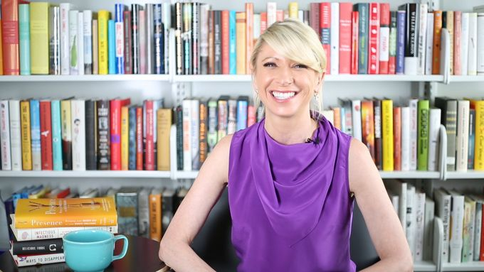 With Amy Cuddy, author of Presence: Bringing Your Boldest Self to Your Biggest Challenges and social psychologist.  You've heard a million times that your presence is paramount, but what exactly is presence and how do you get it? In this guide, you'll ...