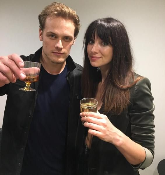 Here are some NEW Fan/Media Pics of The Cast and Crew of Outlander at S3 NYC and LA Premiere More after the jump!