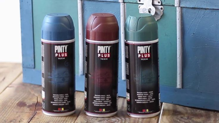 Baúl pintado con pintura forja en spray Pintyplus Tech. Supporting DIY and creativity with our spray paint!