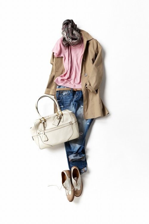 Kyoko Kikuchi's closet. Pink tee, necklace, distressed jeans, trenchcoat, white bag, oxfords #streetstyle #casual