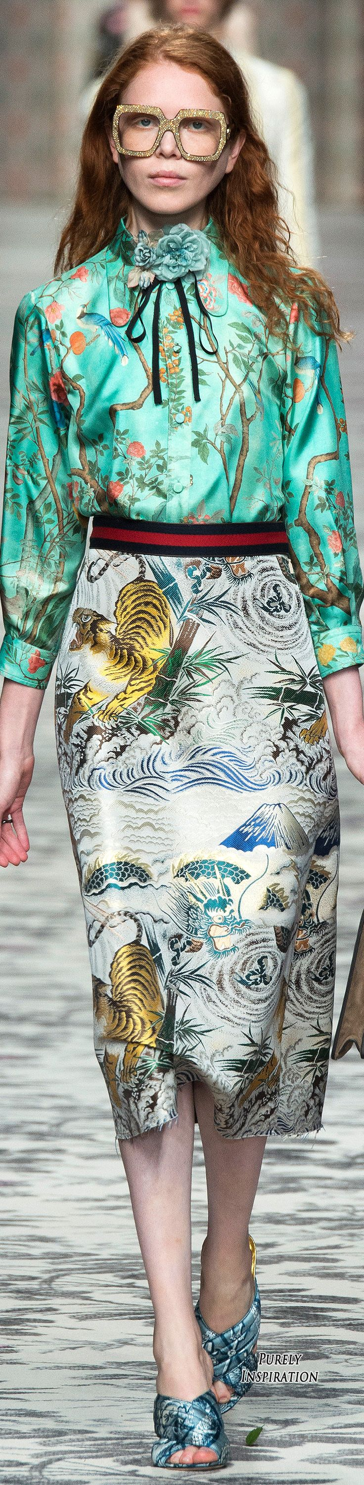 Gucci have mixed chinoiserie and egyptian imagery with some remarkable fabrics for Spring 2016