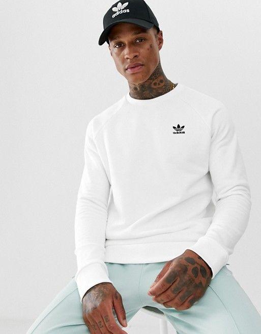 ce0c05cef0404 Adidas Originals – Essentials – Weißes Sweatshirt mit kleinem Logo, DV1599  | ASOS