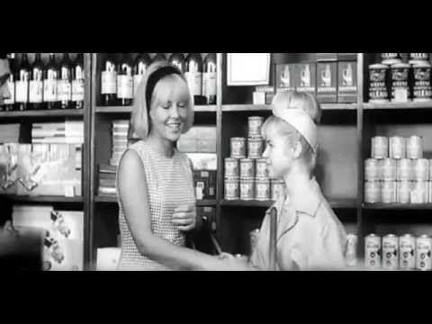 Třicet jedna ve stínu (1965) - YouTube