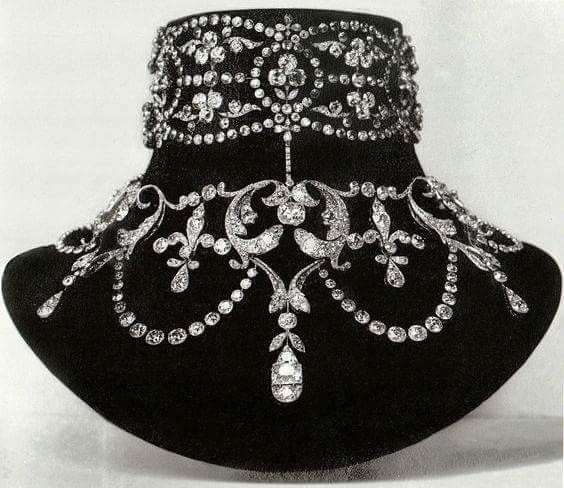 Boucheron - A Belle Epoque diamond necklace, circa 1899. Made for Mary-Louise McKay, the wife of the American silver prospector and millionaire John McKay.