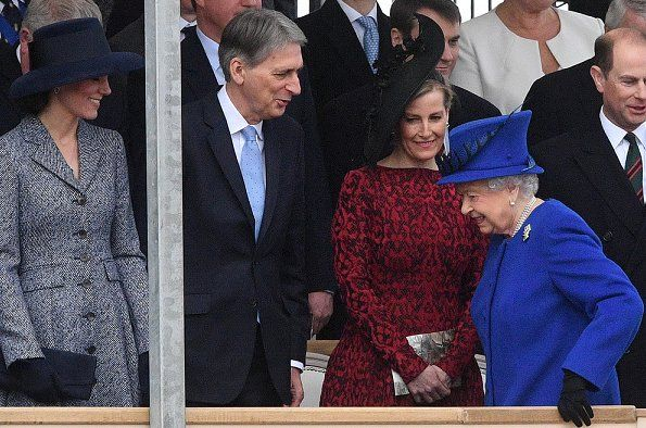 Queen Elizabeth unveil the Iraq and Afghanistan memorial