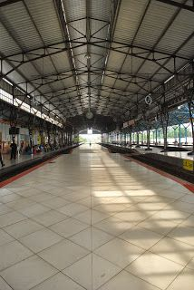 interior stasiun kereta purwokerto