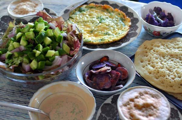 This Saturday brunch included fresh-baked lahoh, a purple salad with ginger-dill dressing, a cheese-herb omelet and a random assortment of roasted purple vegetables. The lahoh was great, and is not…
