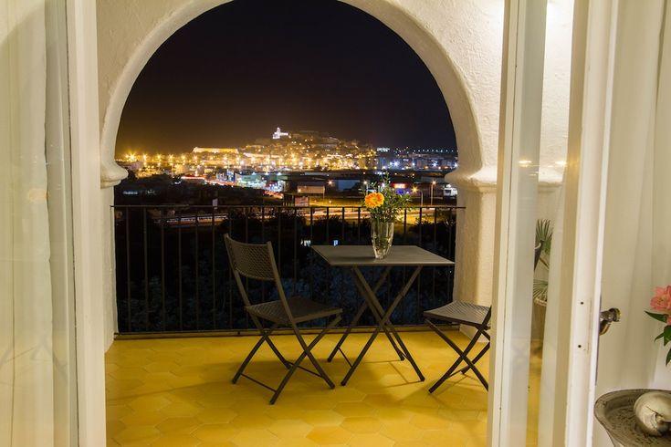 Private Tennis Court, Close Ibiza Town! Ibiza, Talamanca 685 € per night