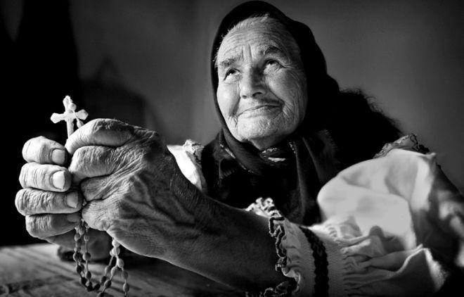 RUGĂCIUNEA este pricină de alinare, rădăcină de nenumărate bunătăți și putere nebiruită – Sfântul Efrem Sirul   La Taifas