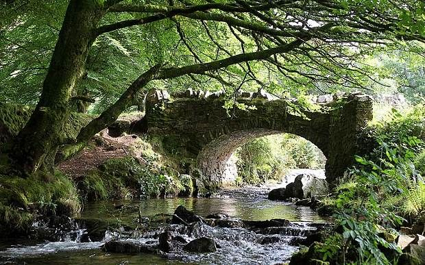 Ten walking routes on Exmoor in Somerset and Devon that start and end at a country pub, including itineraries in the Heddon Valley, past standing stones, and along the South West Coast Path