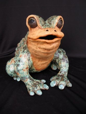 Adorable garden sculpture frogs. Visit artfulceramics.com to view more ceramic art by Michael & Sumati Colpitts.