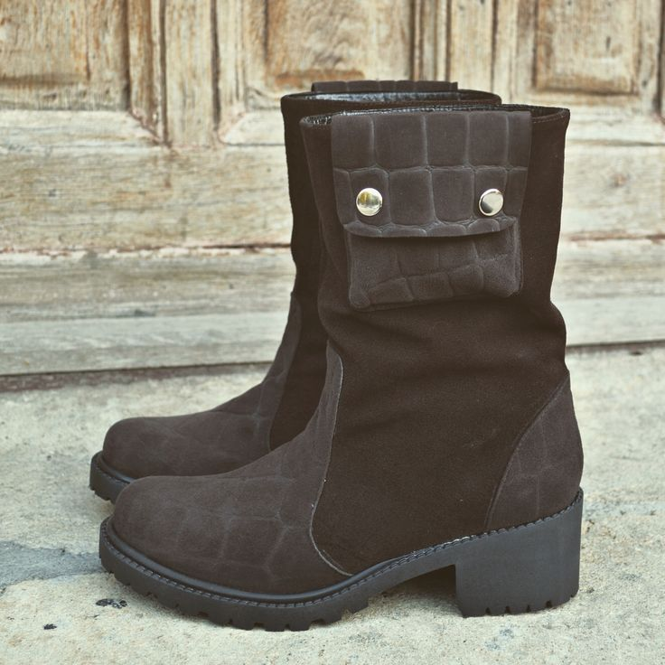 #fallwinter #boots #the5thelementshoes #rosettishowroom #newcollection #brown #pocket