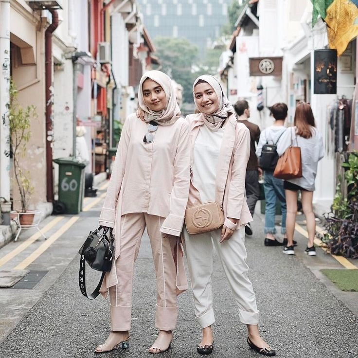 "12.1k Likes, 74 Comments - Mega Iskanti (@megaiskanti) on Instagram: ""When a heels person met a flats person be like... satu cakep satu teplek to the rescue  so which…"""