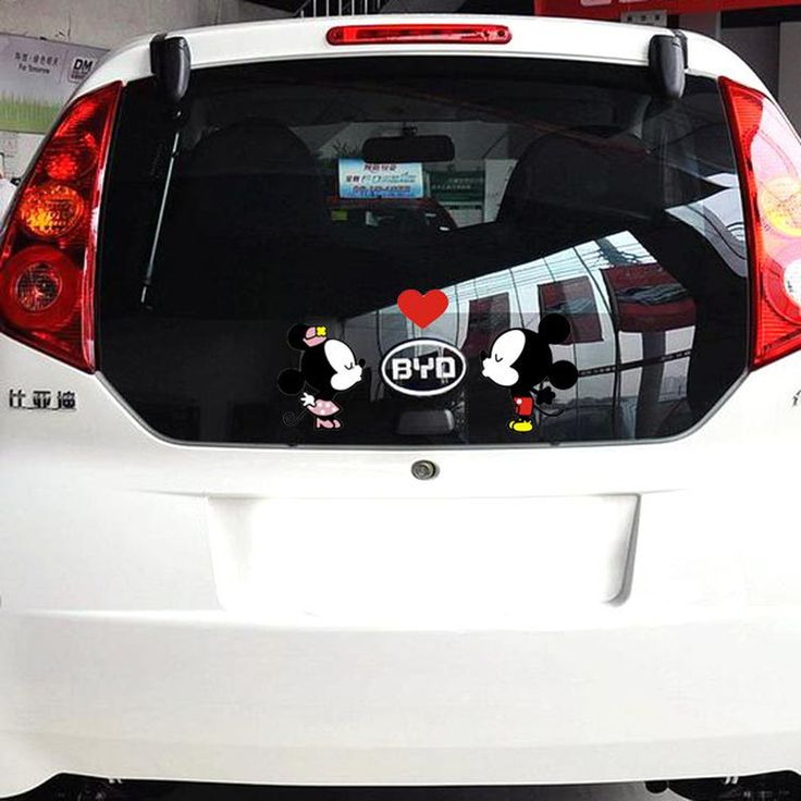 Car-styling Funny Cartoon Car Sticker Door Decal Mickey Mouse Kiss Accessories for Volkswagen Polo Golf Skoda Bmw E46 Ford Focus