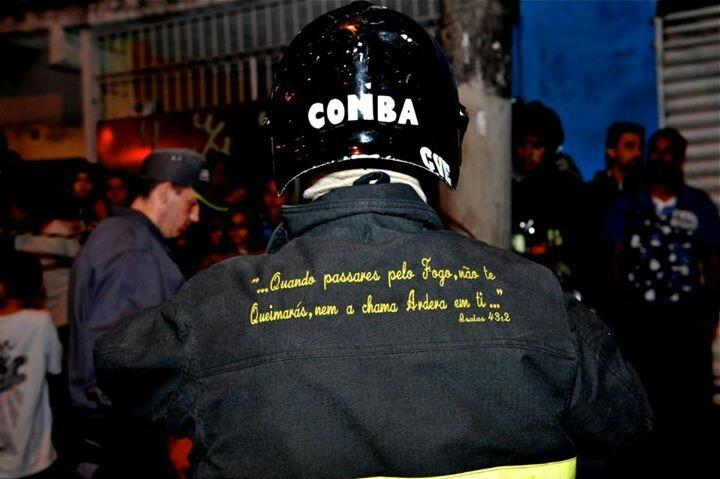 ISAIAS 43.2 Bombeiros de Sao Paulo _ fotos Alberto Takaoka