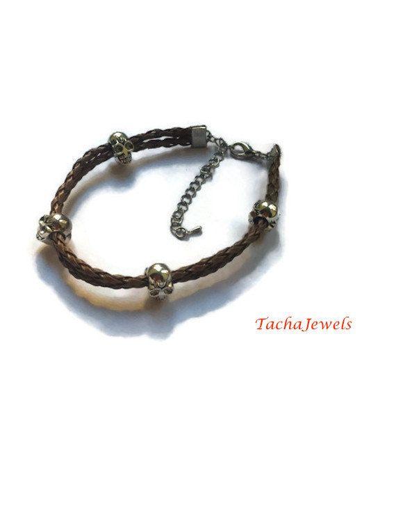 Bracelet Homme Brun avec Tetes de mort de la boutique TachaJewels sur Etsy