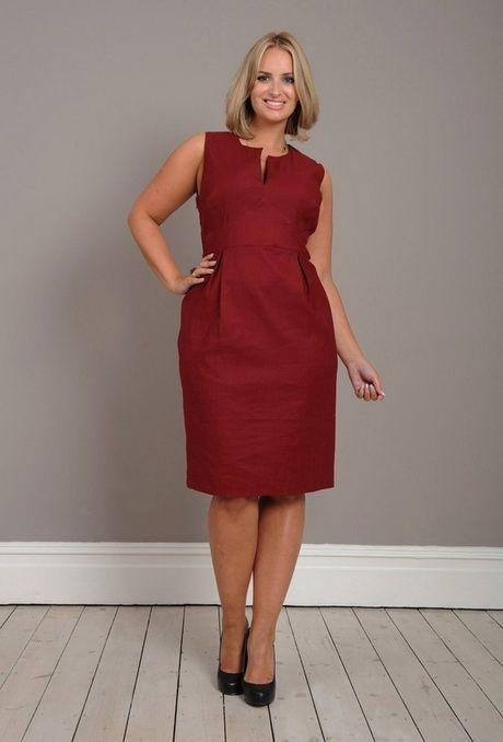Льняное платье-футляр для полных женщин