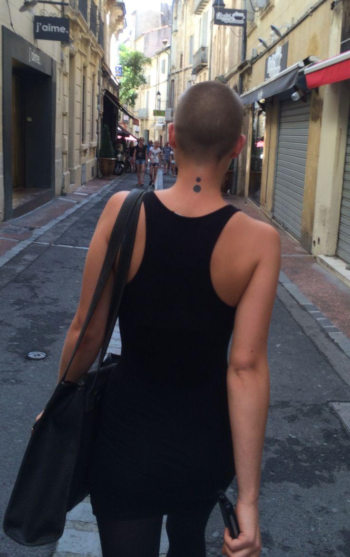 Evey? http://www.les-femmes-aux-cheveux-courts.com