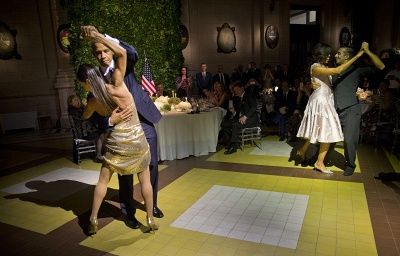 Барак и Мишель Обама станцевали танго но с разными партнерами