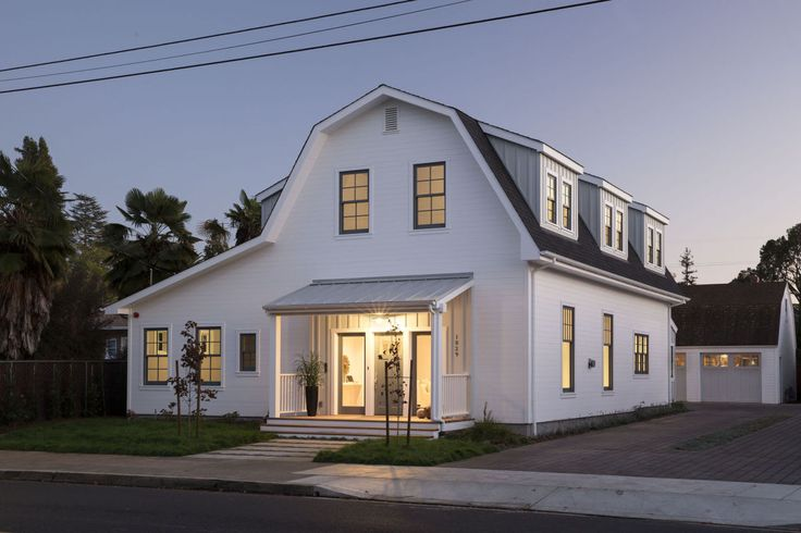 From family roots to gambrel roof Third generation Napan builds