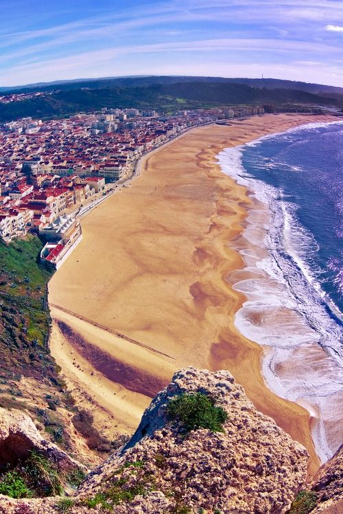 """Nazare beach: where you can find from great food and family beaches to the huge waves only for crazy surfers in #NazaréNorthBeach, #Portugal"""