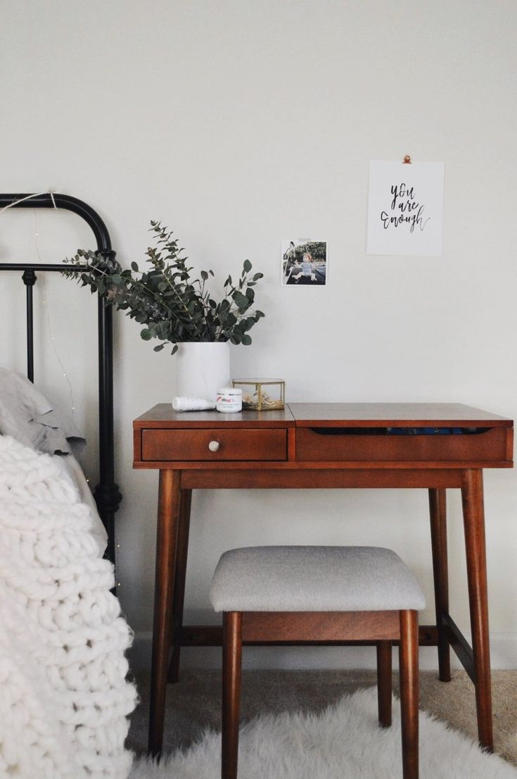 love this sweet bedside desk. such a clever use of space.  via @darlingnightingale