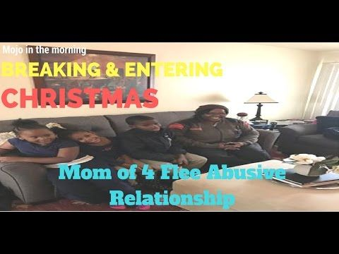 Breaking and Entering Christmas 💝 Mom of 4 Flee Abusive Relationship 💝 M...