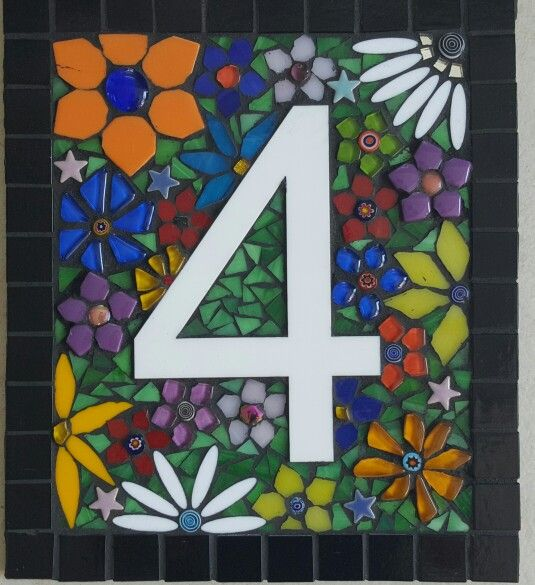 Aymone has created this beautiful plaque for a friend's fence. ..Beautiful