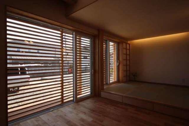 木製ガラリ戸の魅力 ガラリ 戸 家