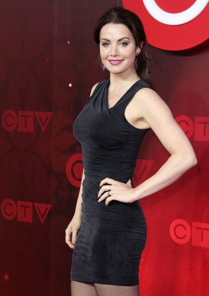 Erica Durance Photos Photos - ?Erica Durance promotes her show 'Saving Hope' at the CTV Upfronts. - Celebs at the CTV Upfronts