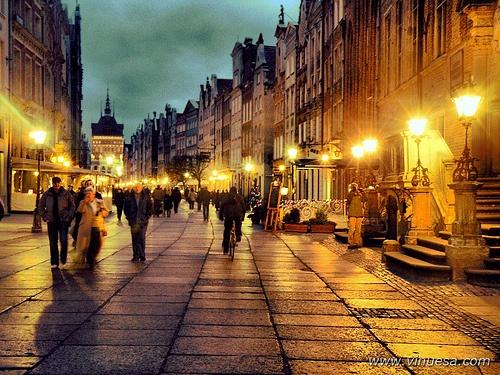 Ulica Duga wieczorową porą / Dluga Street in the evening  Gdansk, Poland