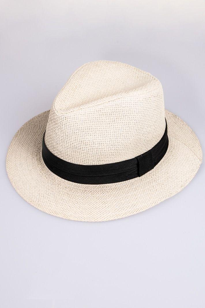 Cappello in fibra naturale intrecciata con fascia di tessuto a contrasto. E' disponibile nella variante colore nero, beige e bianco.    Dimensioni: diametro 29 cm    #DANI #danishop