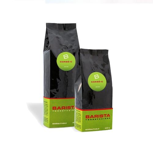 Corsé «C»:  Cette recette de café filtre est faite à partir de grains en provenance d'Amérique du Sud et d'Indonésie. La particularité de ce café est qu'il est torréfié plus foncé que son petit frère le Velouté «M». C'est d'ailleurs ce qui lui confère un bel arôme de noix. Ce mélange est certifié biologique et équitable. À partir de $11.00