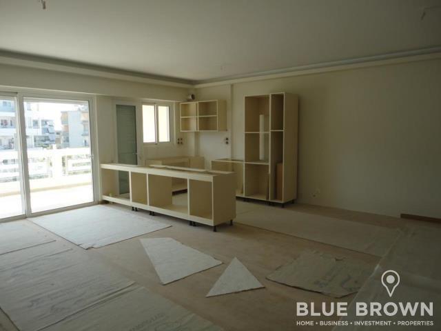 Νεόδμητο διαμέρισμα πωλείται στην Κάτω Γλυφάδα, 110 τ.μ., με 3 υπνοδωμάτια, σαλόνι με τζάκι, γκαράζ, αποθήκη, μπάνιο, w/c, κοντά  στη στάση του μετρό...