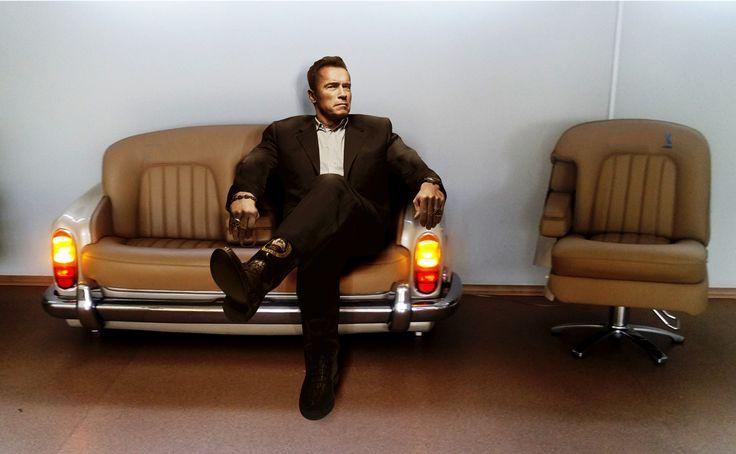 Silny facet na mocnej sofie  Arnold Schwarzenegger #arnoldschwarzenegger Rolls-Royce Motor Cars