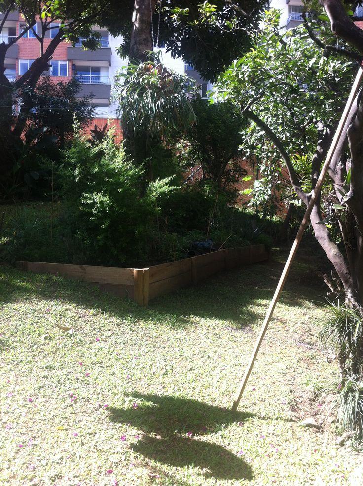 Jardín de la casa j