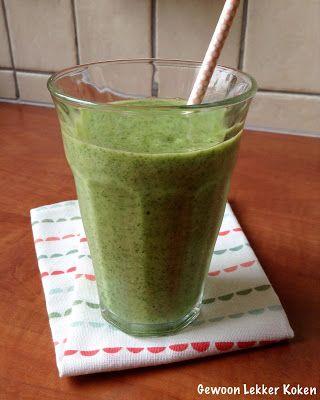 Groene smoothie met spinazie en mango
