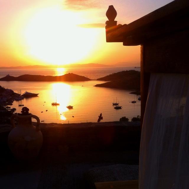 Kea island-Tzia-Sunset-Cyclades-Greece-Hellas-Vourkari-View-travel-Summer-Vacations